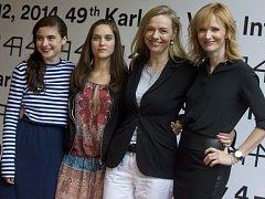 Česko-slovensko-německý soutěžní snímek Fair Play představily 9. července na 49. ročníku Mezinárodního filmového festivalu Karlovy Vary (zleva) herečky Eva Josefíková a Judit Bárdosová, režisérka Andrea Sedláčková a herečka Anna Geislerová.