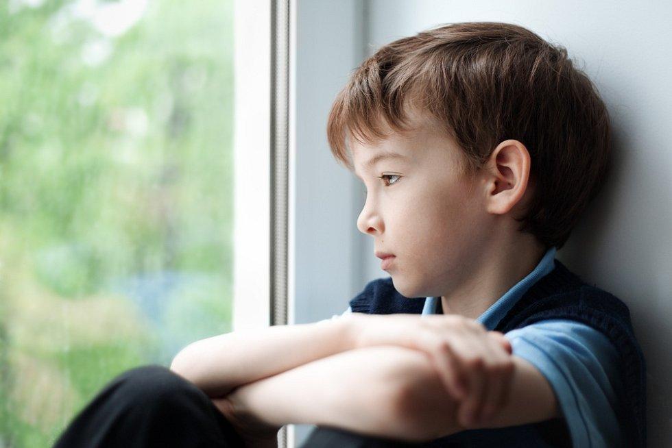 Období izolace těžce dopadá na dětskou psychiku.