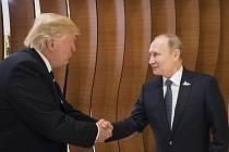 Setkání Donalda Trumpa a Vladimira Putina