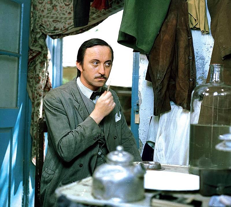 Televizní komedii Velká sázka o malé pivo natočil v roce 1981.