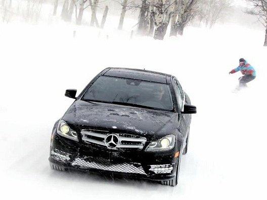 Mercedes na sněhu