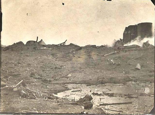 Další snímek kráteru, který vznikl po výbuchu
