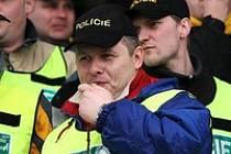 Policistům a hasičům se služební zákon nelíbí, letos v zimě proti němu protestovali