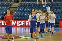 České basketbalistky při tréninku v Debrecínu