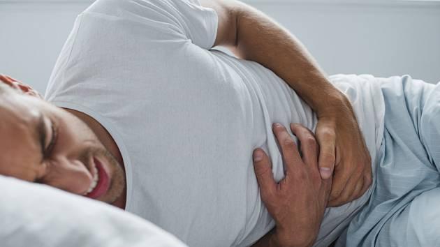 Žaludeční vředy může způsobit stres, špatné stravování i nadměrné užívání léků.