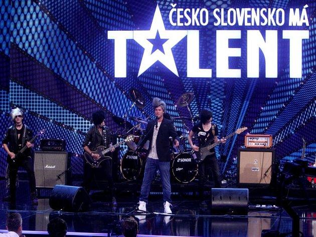 V neděli 27. října ve 20.15 na Primě budeme svědky castingu Jakuba Prachaře na post zpěváka rockové skupiny.
