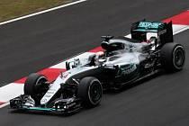 Lewis Hamilton v kvalifikaci na Velkou cenu Malajsie.