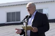 Běloruský prezident Alexandr Lukašenko při projevu před zaměstnanci továrny na výrobu traktorů v Minsku (MZKT)