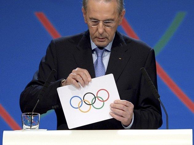 Prezident Mezinárodního olympijského výboru Jacques Rogger.