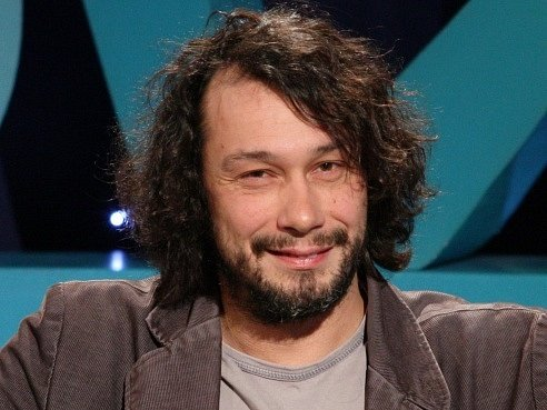 ZLODĚJI. Jednu z hlavních rolí hraje Pavel Liška.