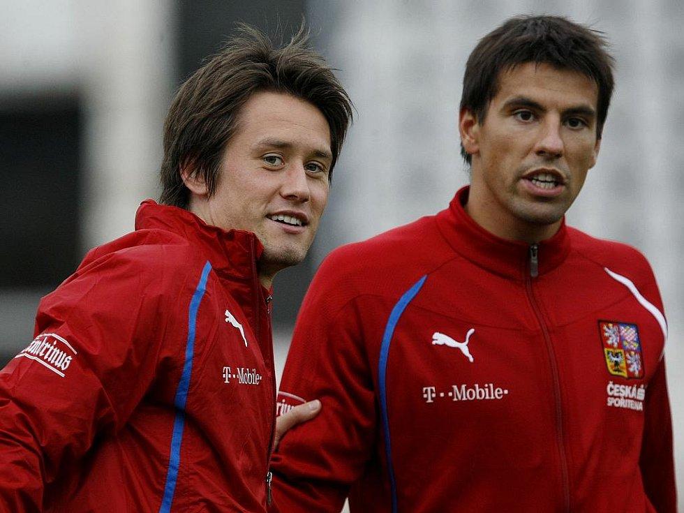 Fotbalisté Tomáš Rosický (vlevo) a Milan Baroš na tréninku reprezentace.