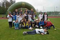 Mladí fotbalisté ze základní školy v Dolních Břežanech si vybojovali postup na Svátek fotbalu v Olomouci