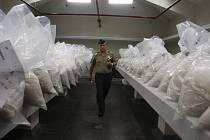 Aby zastrašily bezpečnostní síly zapojené do boje s obchodníky s kolumbijským a peruánským kokainem, uchylují se mexické drogové gangy v poslední době k brutálním praktikám.