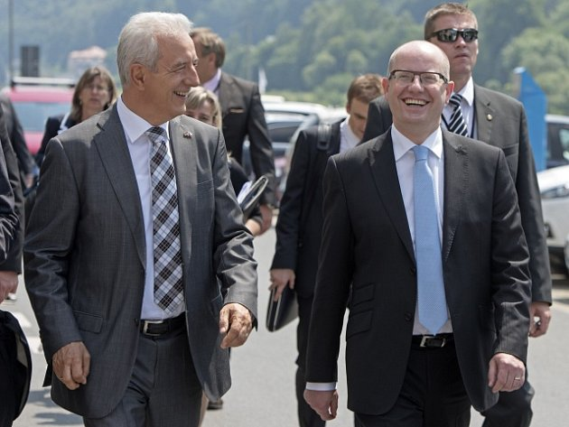 Saský premiér Stanislaw Tillich a český premiér Bohuslav Sobotka.