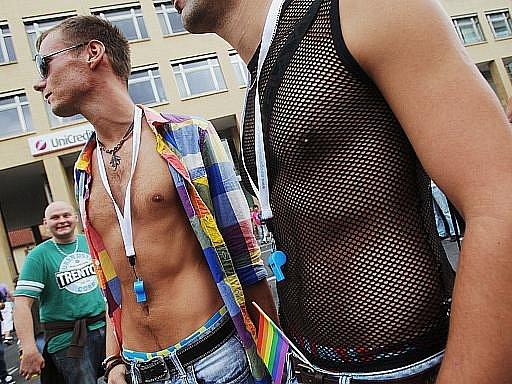Účastníci pochodu Prahou v rámci festivalu Prague Pride. Ilustrační foto