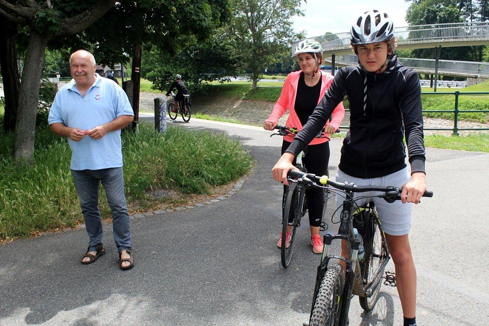 Cyklostezka na Nymbursku