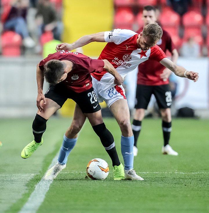 Zápas semifinále poháru MOL Cup mezi Slavia Praha a Sparta Praha hraný 24. dubna v Praze. Souček, Hložek