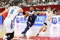 Čeští basketbalisté v utkání proti USA