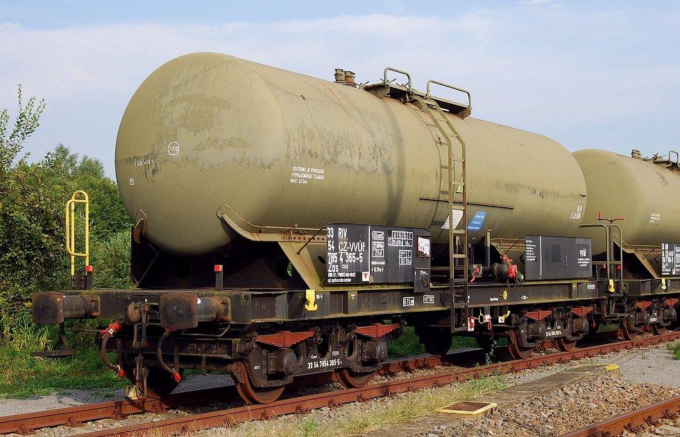 Vojenský útvar Týniště nad Orlicí, vlečka, přeprava leteckého petroleje