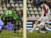 Slavia - Tottenham: V brance hostí se postavil Radek Černý.