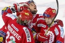 Hokejisté Třince udrželi naděje na play off.