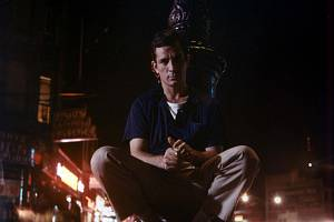 V srdci New Yorku. Jack Kerouac pózuje na náměstí v Greenwich Village