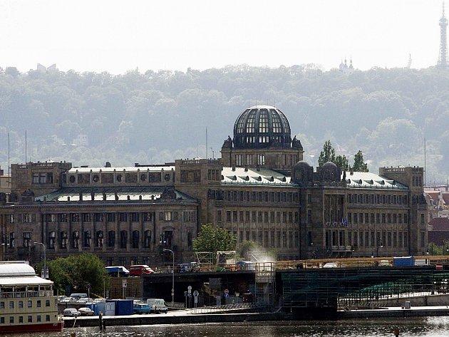 Ministerstvo průmyslu a obchodu v Praze. Ilustrační foto
