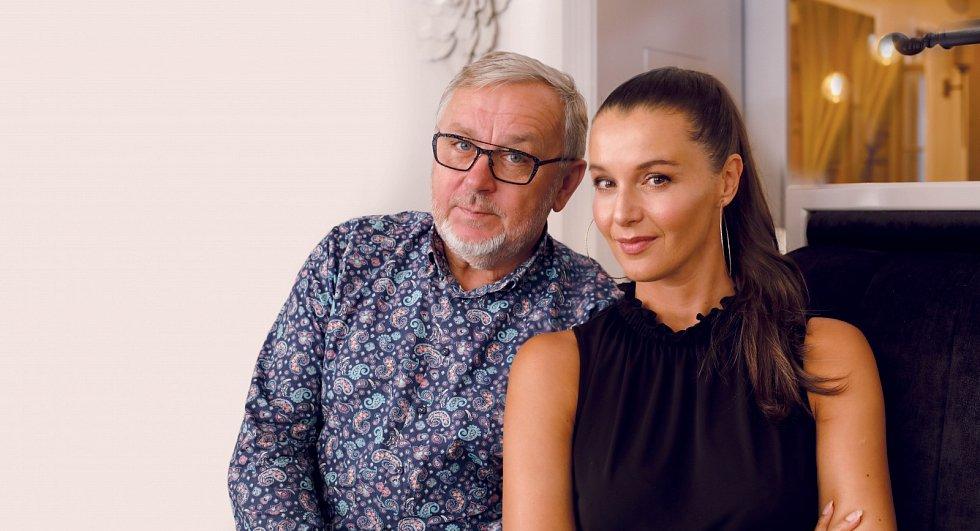Neobvyklé spojení, které funguje - Iva Kubelková a Michal Pavlíček.