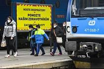 Lidé v Česku se vrací k cestování vlakem