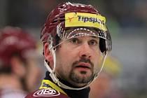 Tomáš Divíšek vystřídal hodně klubů, na snímku je ještě v barvách Sparty.