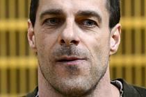 Vězeň Jan Novák, který loni uprchl vězeňské službě z pražské Thomayerovy nemocnice.