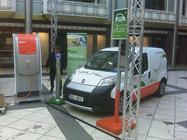 Dobíjecí stanice pro elektromobily.