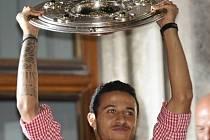 Thiago při oslavách zisku titulu