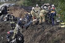 V Rusku spadlo letadlo s hokejisty KHL: Rachůnek, Vašíček i Marek zahynuli.