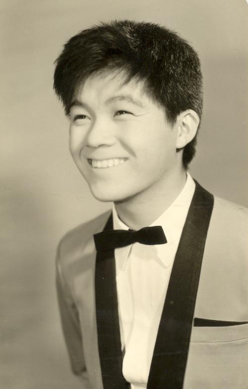 Mezi obětmi leteckého neštěstí, havárie letu 123 Japan Airlines, byl i japonský zpěvák Kyu Sakamoto, v době havárie jedna z nejznámějších japonských hvězd pěveckého nebe.