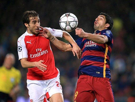 Barcelona - Arsenal: Luis Suárez a Mathieu Flamini