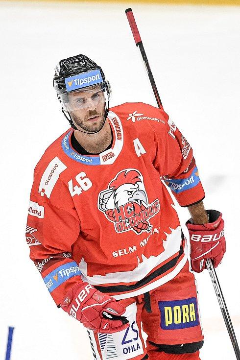 Utkání 1. kola hokejové extraligy: HC Olomouc - BK Mladá Boleslav, 10. září 2021 v Olomouci. David Krejčí z Olomouce.n