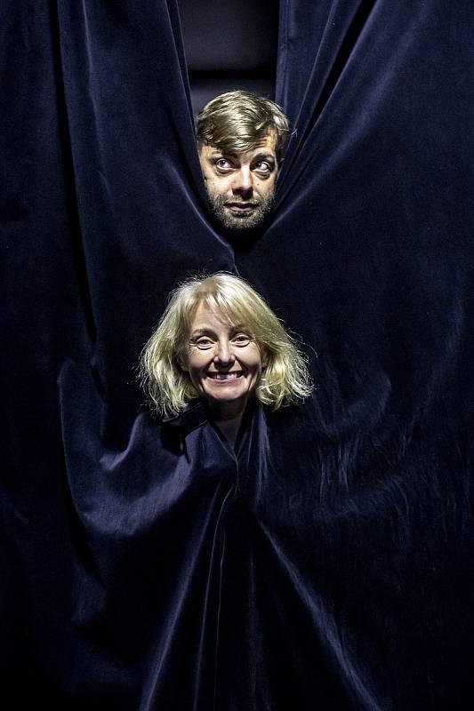 Veronika Žilková se synem Cyrilem Navrátilem při fotografování pro Deník 19. července v Praze.
