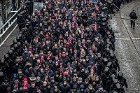 Zápas 21. kola Het ligy mezi Sparta Praha a Slavia Praha, hraný 17. března v Praze na Letné. Fanoušci Slavie šli z Václavského náměstí tradičním pochodem na Letnou.