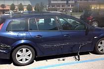 Renault Mégane se doslova roztekl pod žárem italského slunce.