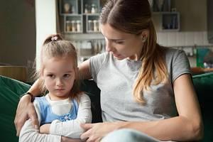 Když se dítě i ve čtyřech letech ptá na smrt, není divné ani nemá extrémní starost. Jen potřebuje odpověď na důležitou otázku.