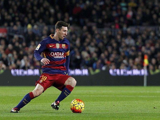 Čaroděj Barcelony Lionel Messi a jeho kouzla s míčem.