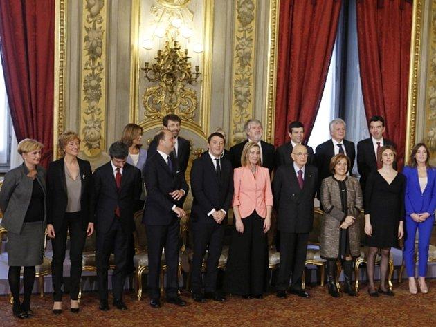 Nová italská vláda premiéra Mattea Renziho.