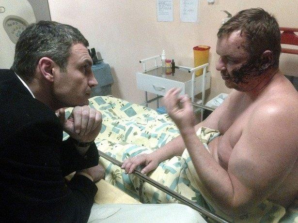 Vitalij Kličko navštívil Dmitrije Bulatova v nemocnici.