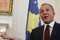 Odstoupivší kosovský prezident Behgjet Pacolli.