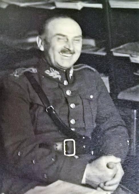 Přísný generál Josef Bílý se uměl i smát.