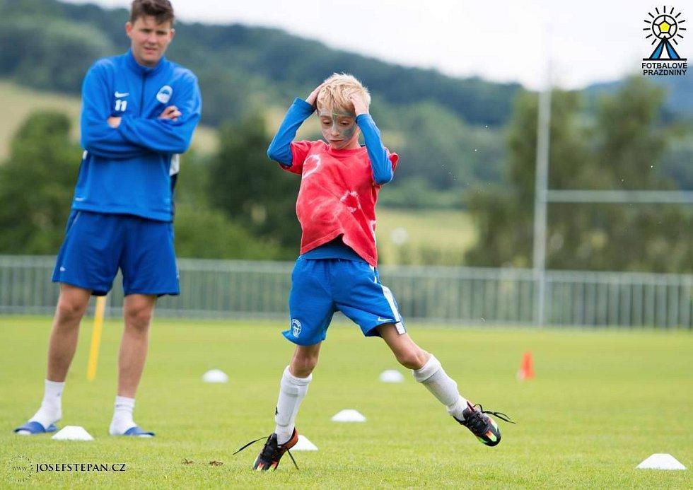 Emoce - ty k fotbalu také patří! Takhle tráví fotbalové prázdniny náš syn Lukáš.