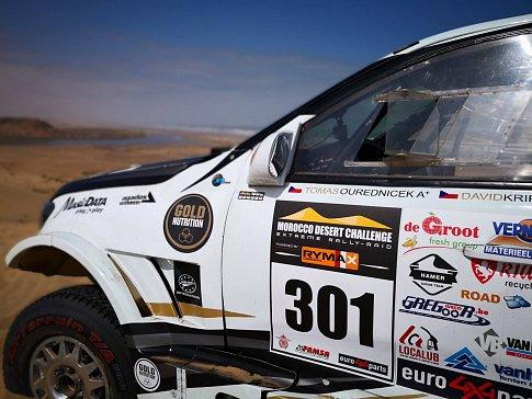 Morocco Desert Challenge skončil pro vítěze loňského ročníku Tomáše Ouředníčka a Davida Křípala bohužel předčasně.