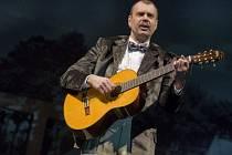 PETR RYCHLÝ hraje roli písničkáře Karla Hašlera v nové hře Divadla na Vinohradech Hašler.