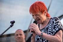 V akci. Jana Koubková na třebovském Jazzrock Festu